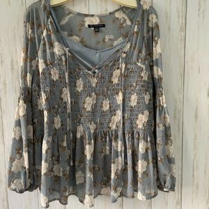 American Eagle Outfitters Top Size M